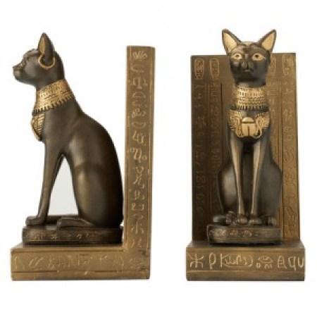 Los gatos en el Antiguo Egipto eran considerados proveedores de buena suerte. El más especial el gato negro.