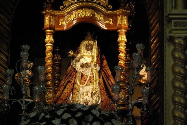 Culto a «Nuestra Señora», la  Vírgen Negra