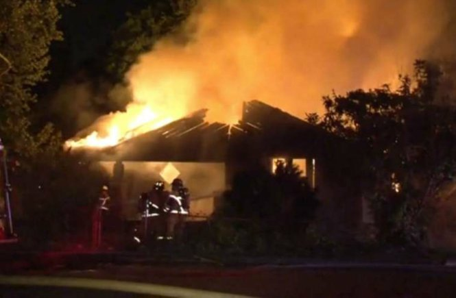 A Neighbour's House Is On Fire - Elsieisy blog