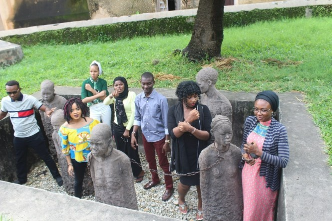 Elsie Godwin and other tourists in the slave monument - elsieisy blog