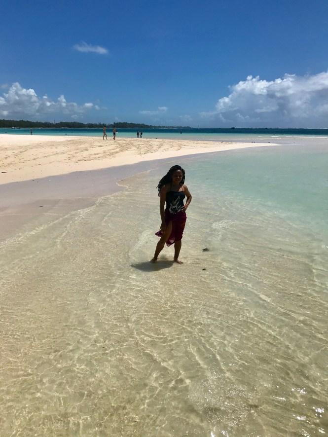 Elsie Godwin in Lux Belle mare Beach - Mauritius - elsieisy blog