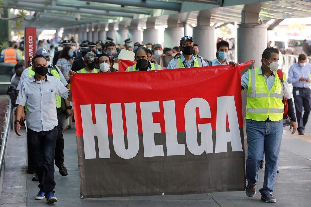 Trabajadores de Interjet inician huelga tras meses sin cobrar sueldo, El Siglo de Torreón