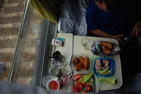 Eten in de trein van Moskou naar Novosibirsk