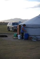 Paardenmelkbier maken Mongolië