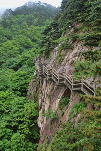 De trappen van Huangshan Gele bergen
