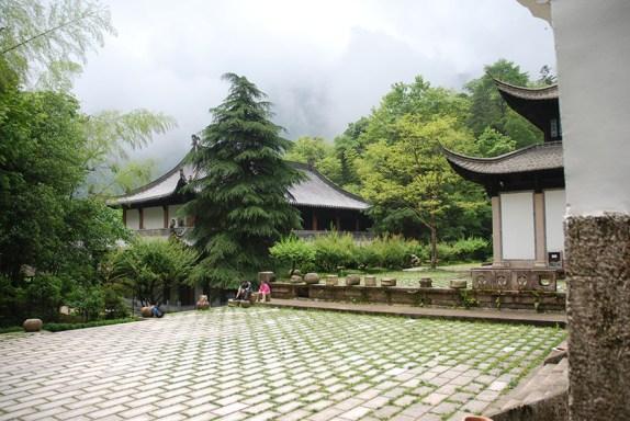 Huangshan Gele bergen Mercy Light pavilion, einde van de afdaling