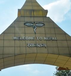 De welkomstboog in Kathmandu