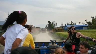 Truck naar All Hands Volunteers Tupche Nepal