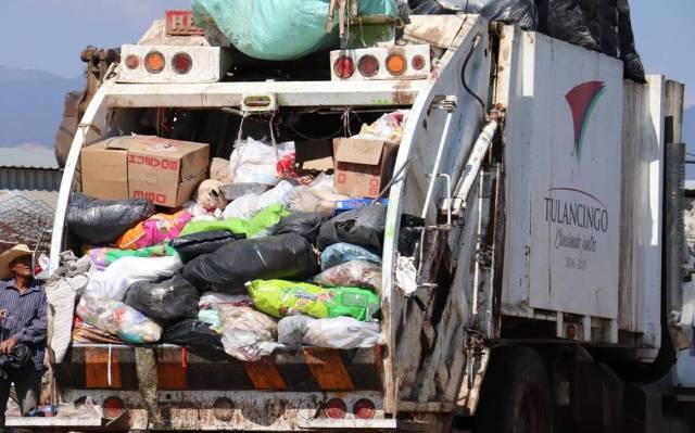 La mujer decidió recompensar económicamente por su apoyo y honradez a los trabajadores de limpia de Tulancingo, Hidalgo