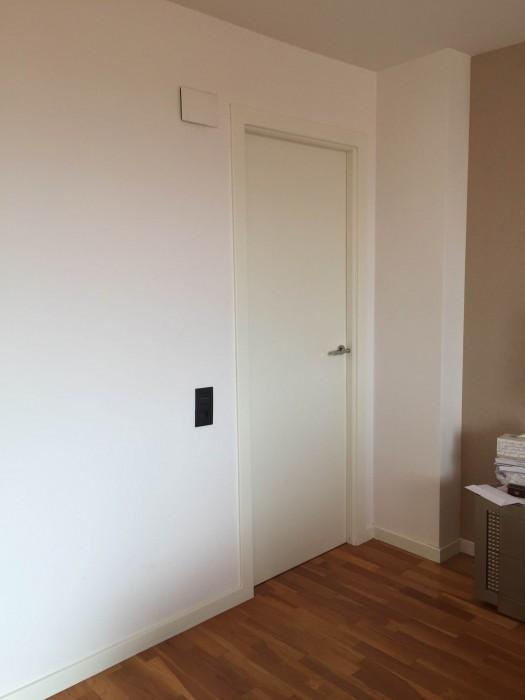 Puertas para pasillos interiores great corrediza - Pintar puertas interiores ...