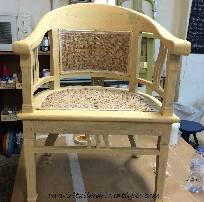 7-shabby-chic-pintar-sillones-de-colores