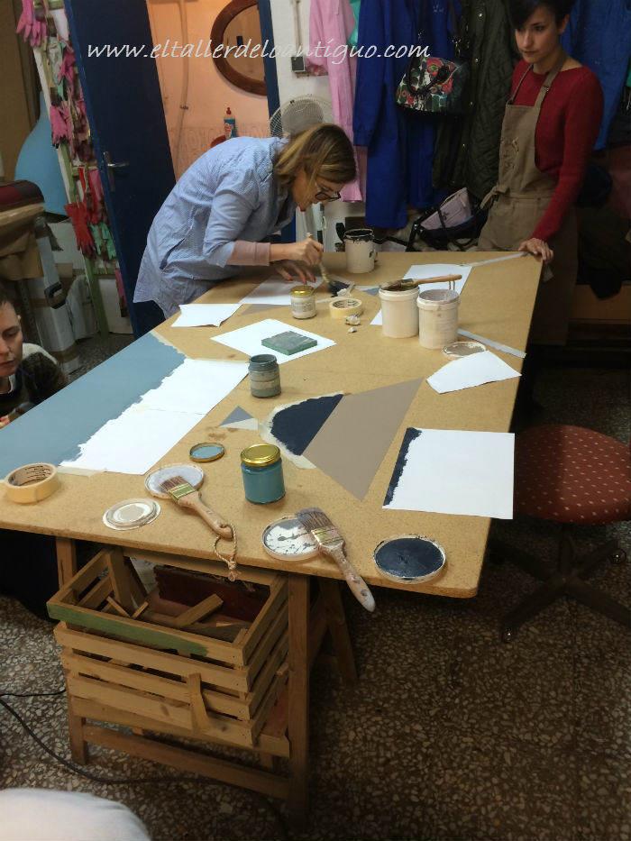 2-pintar-mesa-de-taller-de-colores