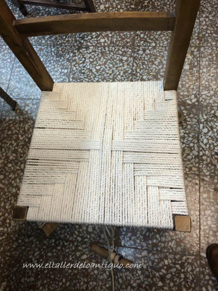 Encordar una silla de madera el taller de lo antiguo - Como tapizar sillas de madera ...