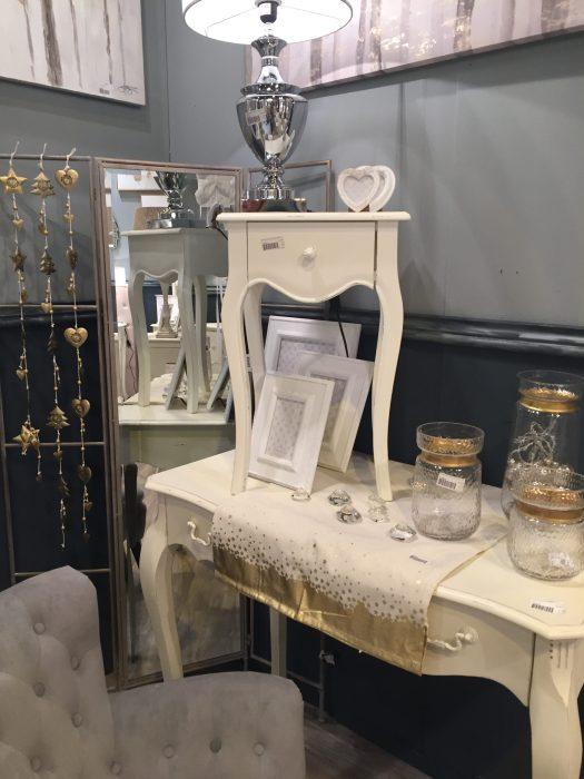 El clásico Blanco antiguo con decoraciones en Cristal y Metalizados