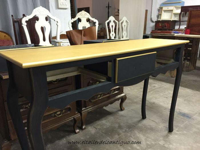 3-mueble-oro-y-negro