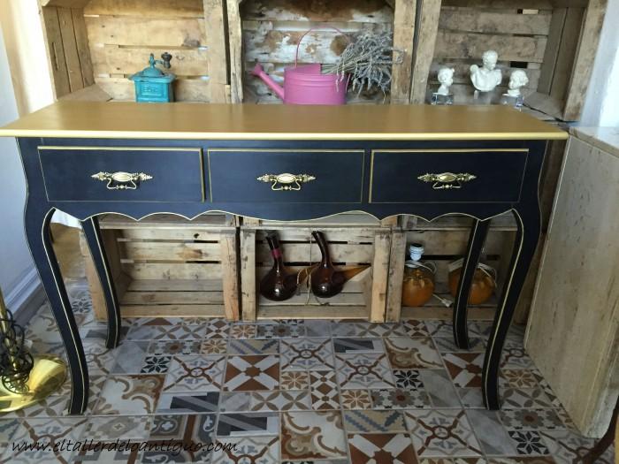 6-mueble-oro-y-negro
