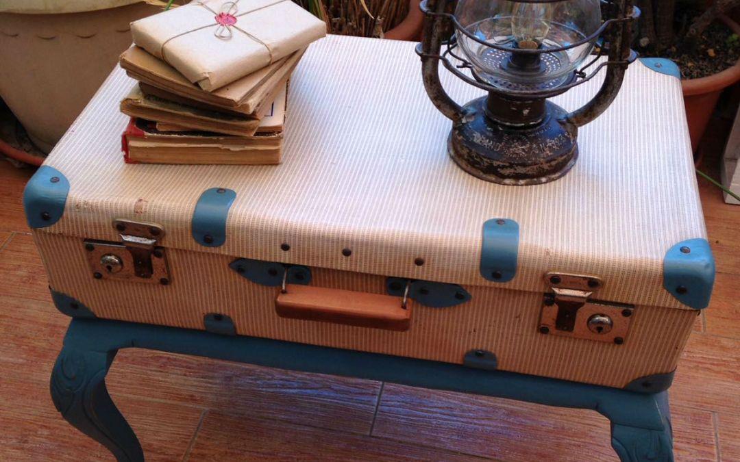 Restaurar maleta antigua y decora con ella Limpiar tejido de una maleta antigua