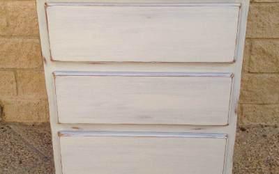 Pintar pino en Decapé blanco