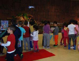 Visita de niños al belen en el Cabildo de La Gomera