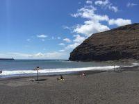 Fallece un hombre tras ser sacado del mar inconsciente en la playa de  San Sebastián de La Gomera