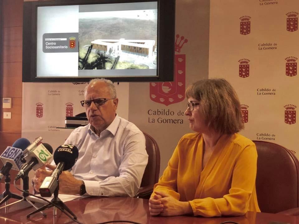 Resultado de imagen de Curbelo presenta el proyecto definitivo del Centro Sociosanitario y anuncia su inminente salida a licitación