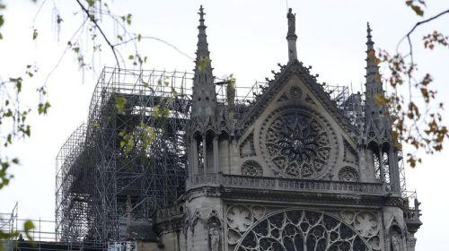 Los obreros de Notre-Dame violaron la prohibición de fumar en los andamios