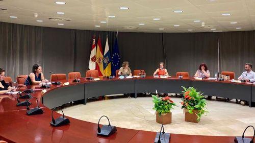 Cabildo y ayuntamientos de La Gomera coordinan nuevas acciones en materia de juventud