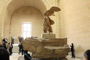 niki-of-samothrace-louvre-paris