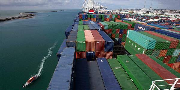 El comercio internacional se sigue frenando, pero a mayor ritmo en las exportaciones que en las exportaciones.