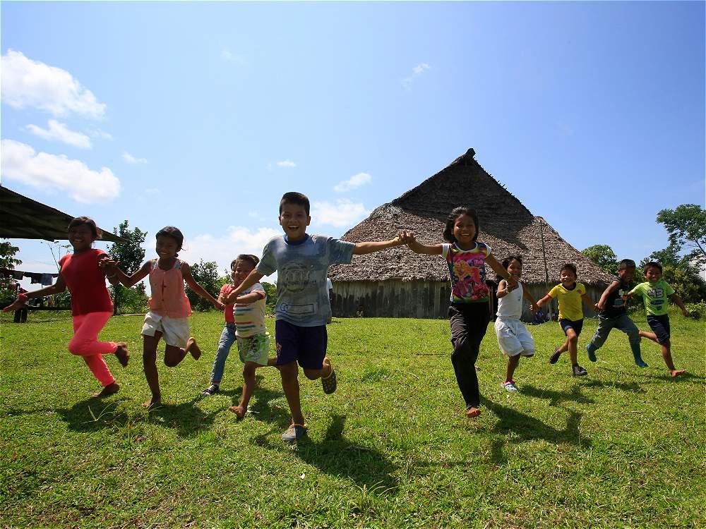Los niños múruis heredan el conocimiento ancestral de sus mayores y la misión del cuidado del planeta.