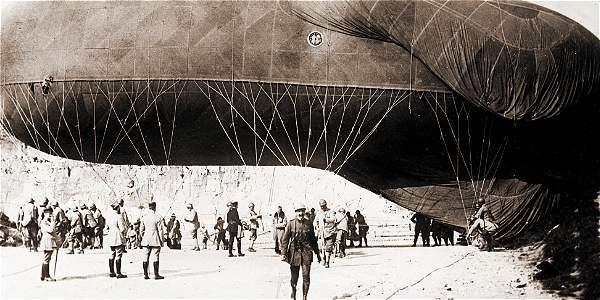 En la primera guerra mundial se usaron dirigibles para situar al enemigo.