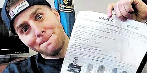 En redes sociales, Mayer Mizrachi exhibe sonriente la orden de salida del Inpec, insiste en su plena inocencia y anuncia que está pidiendo asilo ante las arbitrariedades en su proceso.