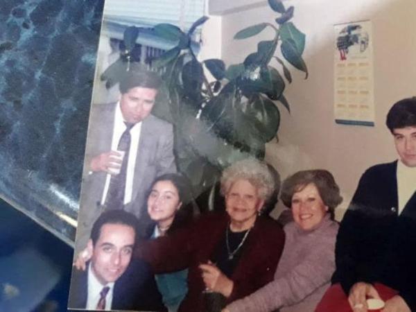 BBC Mundo: Mauricio Pulgar con familiares.
