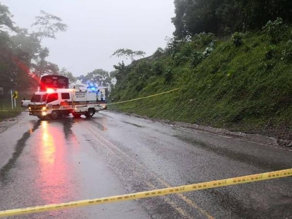Deslizamiento de tierra vía Medellín - Bogotá