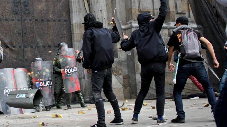 Resultado de imagen para marchas en colombia disturbios