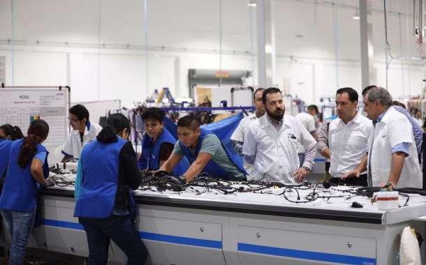 Crece el número de empleos en la industria Manufacturera