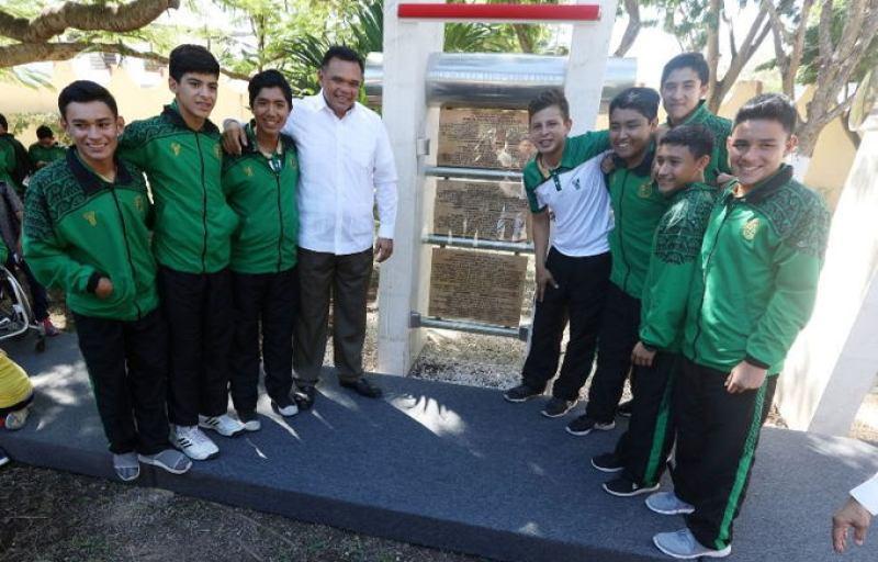 Se inmortalizan nombres de deportistas yucatecos