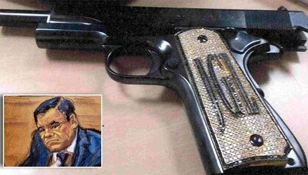 Presentan en juicio la pistola de diamantes de 'El Chapo'