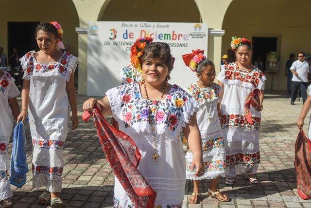Ayuntamiento conmemora el Día Internacional de las Personas con Discapacidad
