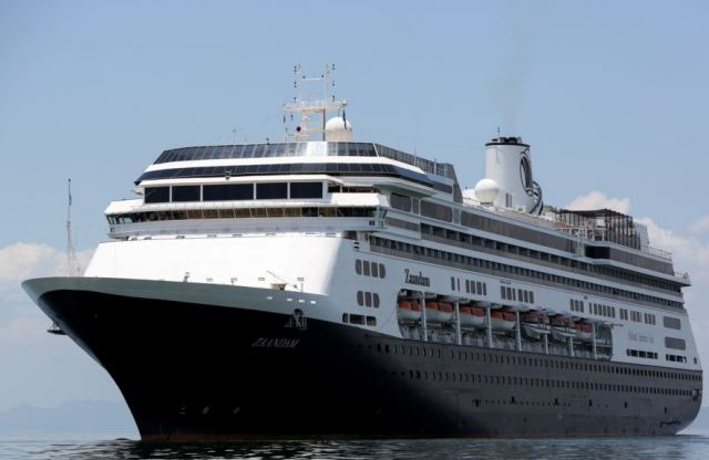 Mueren pasajeros de crucero en Panamá por coronavirus
