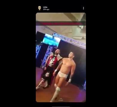 Luchador escupe chicle a niña y su papá le da tremenda paliza