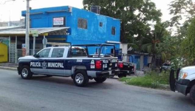 Amanecer violento en Cancún