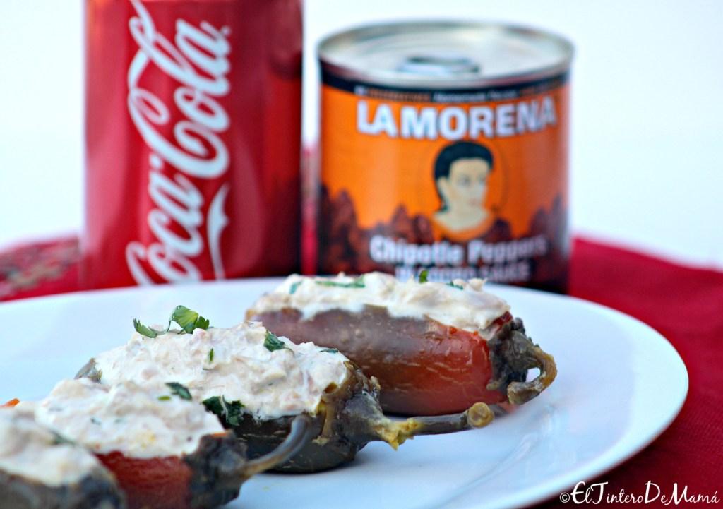 Chiles_rellenos_de_atún_La_Morena_y_Coca_cola