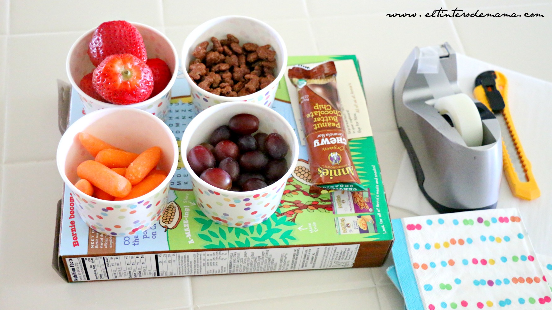 Caja_de_servicio_multicolor_para_el_almuerzo_de_los_niños
