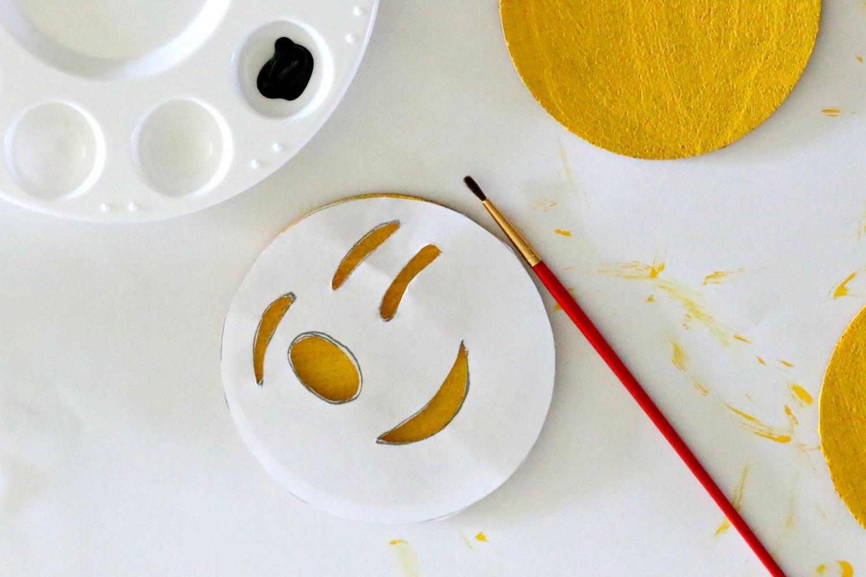 The-emoji-movie-diy