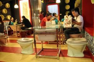 Restaurante - The Modern Toilet