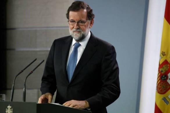 Rajoy cesa a todo el Govern