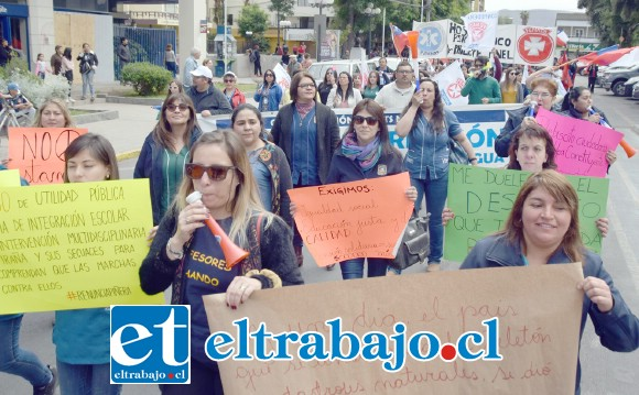 Profesionales de la salud presentes durante la marcha.
