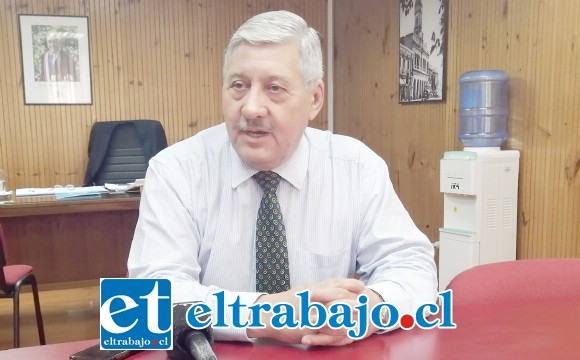 El director de la DAEM, Iván Silva, informó además de los diversos trabajos realizados durante el verano en distintos establecimientos educacionales de la comuna.
