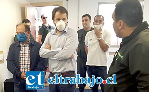 El gobernador de San Felipe, Claudio Rodríguez; junto al Seremi de Justicia y DDHH, José Tomás Bartolucci, visitaron los recintos penitenciarios de la provincia, con el propósito de revisar el protocolo adoptado por Gendarmería para prevenir contagios de COVID-19.